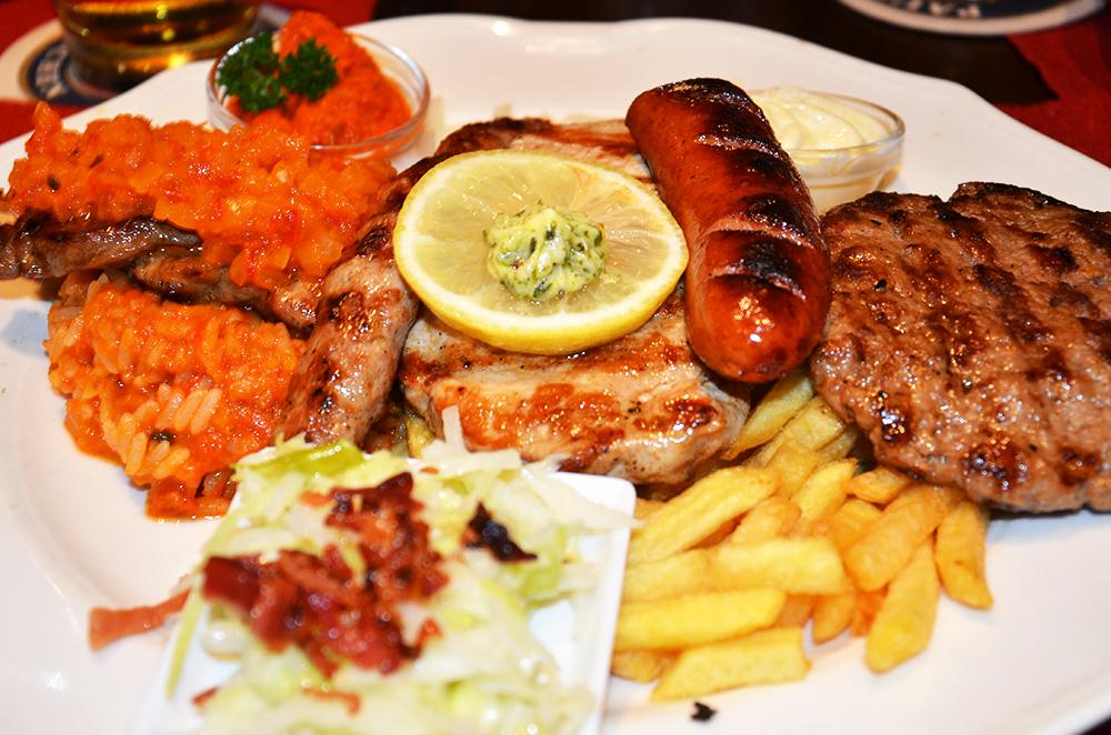 Clásico de la casa a partir de carnes y embutidos croatas
