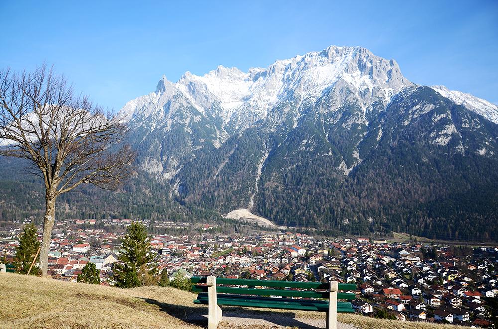 El pueblo de Mittenwald con el Karwendel. /@jordi_orts