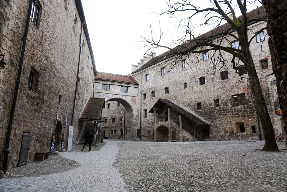 Patio del castillo de Burghausen